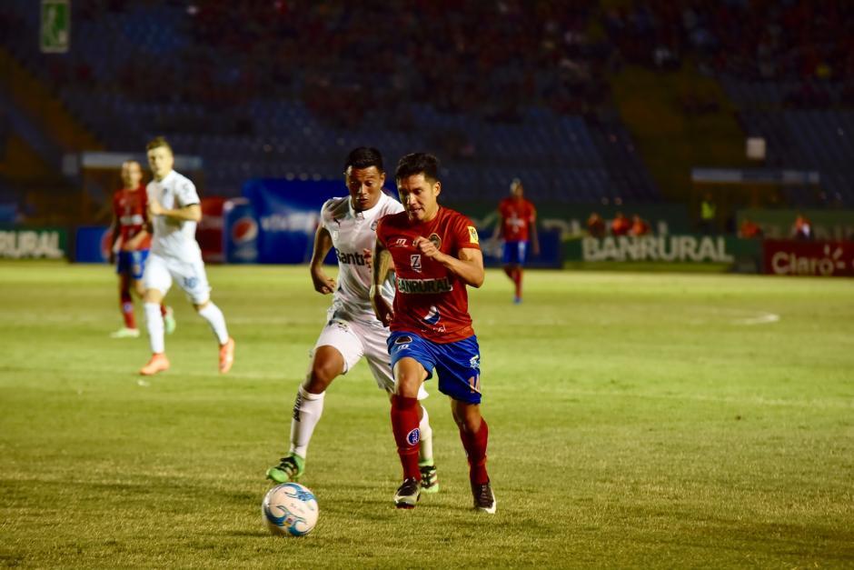 Varias jugadas tuvo Municipal para irse con la victoria. (Foto: Luis Barrios/Soy502)