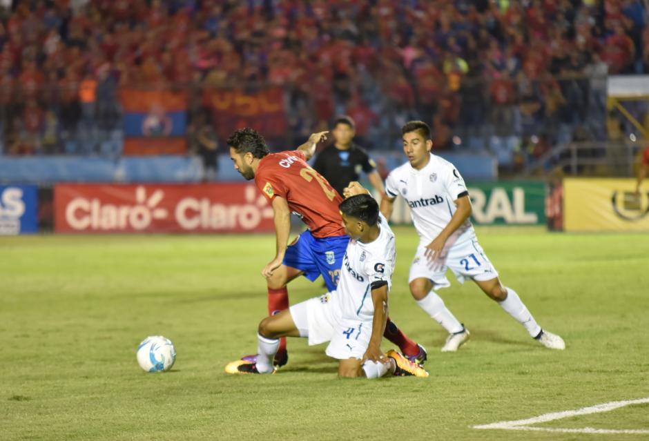 Al menos ocho mil aficionados llegaron al estadio. (Foto: Luis Barrios/Soy502)