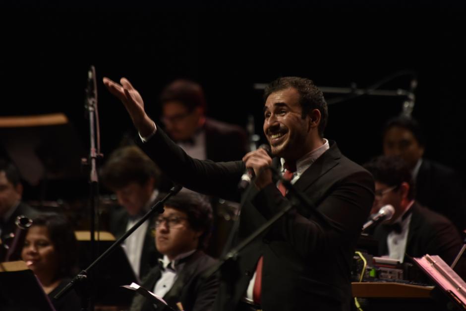 Páez agradeció el apoyo de la gente que los acompañó en la primera fecha del Sinfónico. (Foto: Fredy Hernández/Soy502)