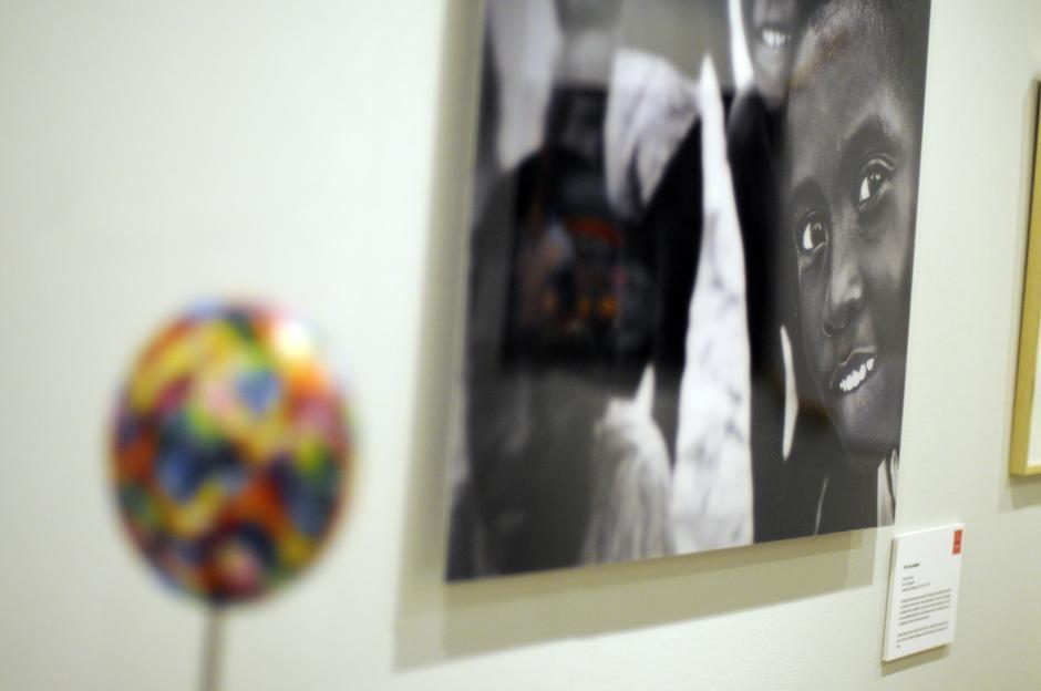 La obra de Rita Villanueva es sobre el alma de los niños tocan el alma de los adultos con su pureza.