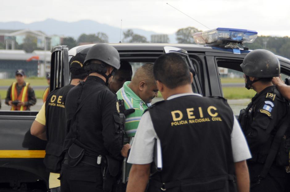 """""""Guayo"""" y su primo """"Gualas"""", fueron trasladados a la Torre de Tribunales donde le hicieron conocer las acusaciones en su contra, y fue trasladado a la cárcel de máxima seguridad Fraijanes."""