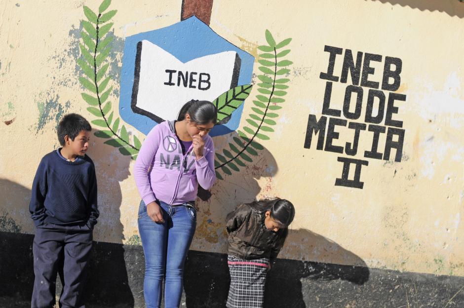 En esta escuela los maestros no hicieron eco a la petición de no dar clases. (Esteban Biba/Soy502)