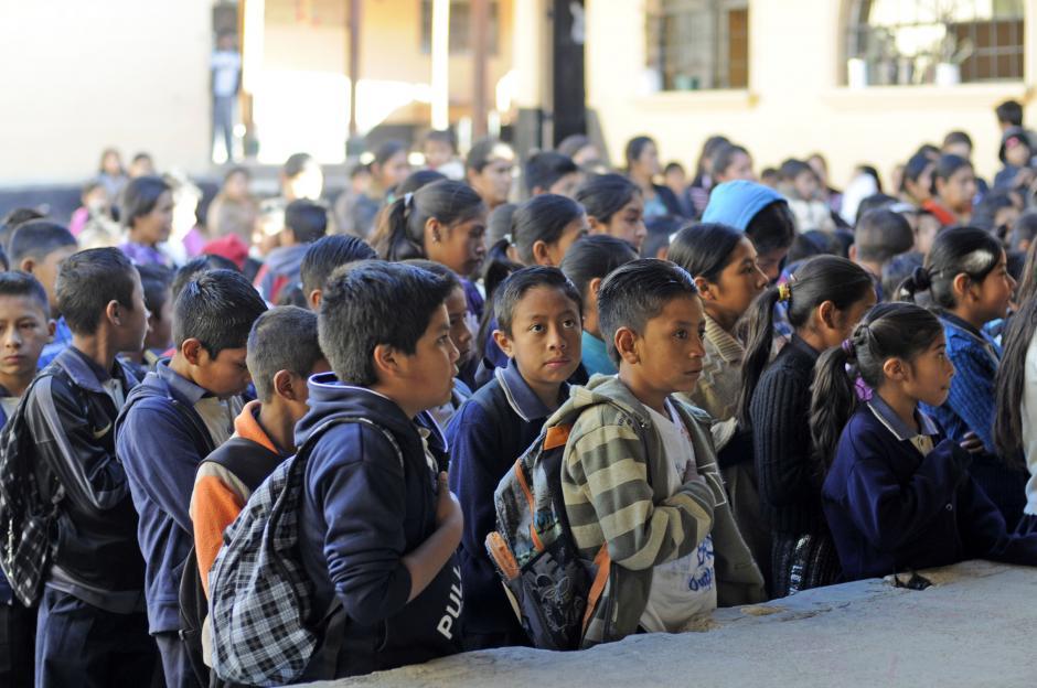 El acto cívico inició a las 8 y media de la mañana, con lo que se inaugura el ciclo escolar. (Esteban Biba/Soy502)