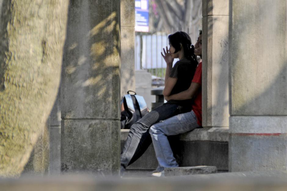 En la Avenida Las Américas las horas de la tarde después del trabajo son ideales para juntarse un momento. (Esteban Biba/Soy502)