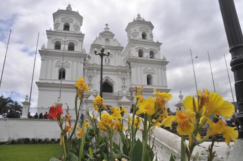 La Basílica fue bendecida el 4 de enero de 1,759 y la imagen se trasladó el 6 de enero de ese remoto año