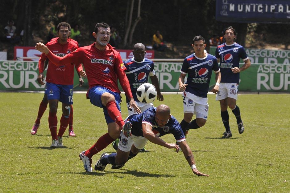 Municipal volvió a caer y se encuentra en el séptimo puesto de la Liga, a nueve puntos del líder. (Foto: Diego Galiano/Nuestro Diario)