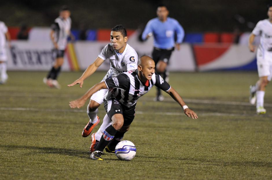Comunicaciones y Heredia disputaron una cardiaca final en el estadio Cementos Progreso. (Foto: Nuestro Diario)