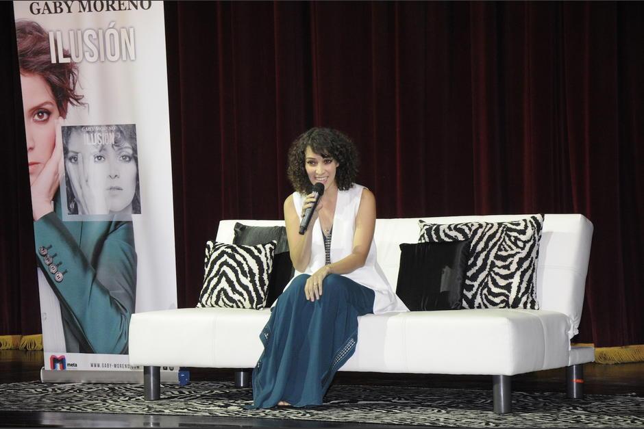 """Gaby Moreno reveló detalles de los 13 temas que componen en disco """"Ilusión"""". (Foto: Fredy Hernández/Soy502)"""