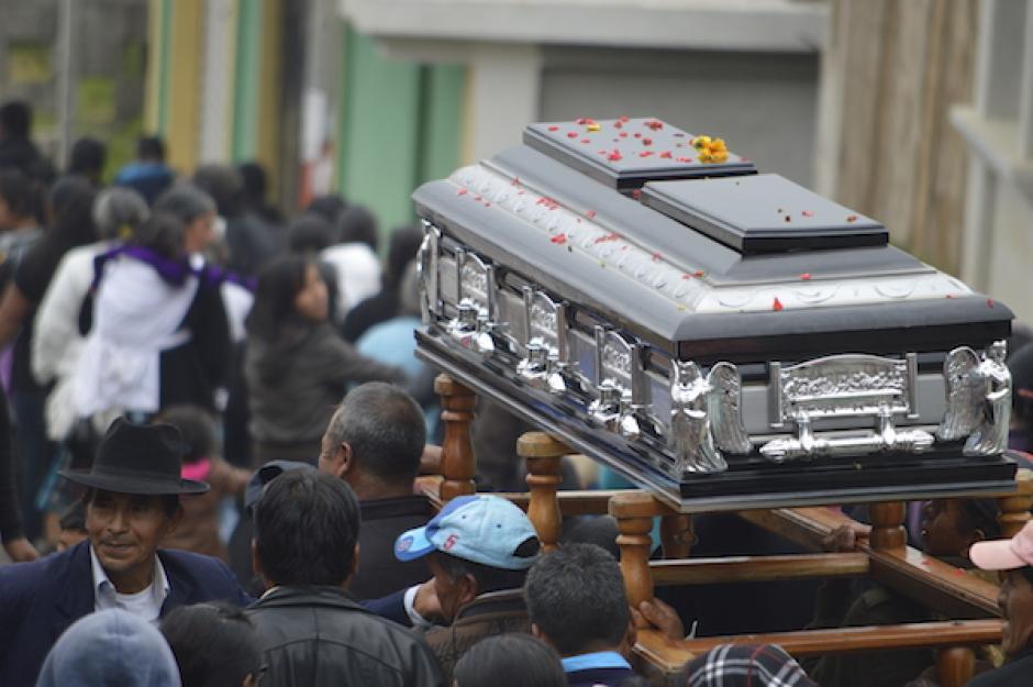 El funeral en San Marcos tuvo una afluencia masiva. (Foto: Hugo Barrios/Nuestro Diario)