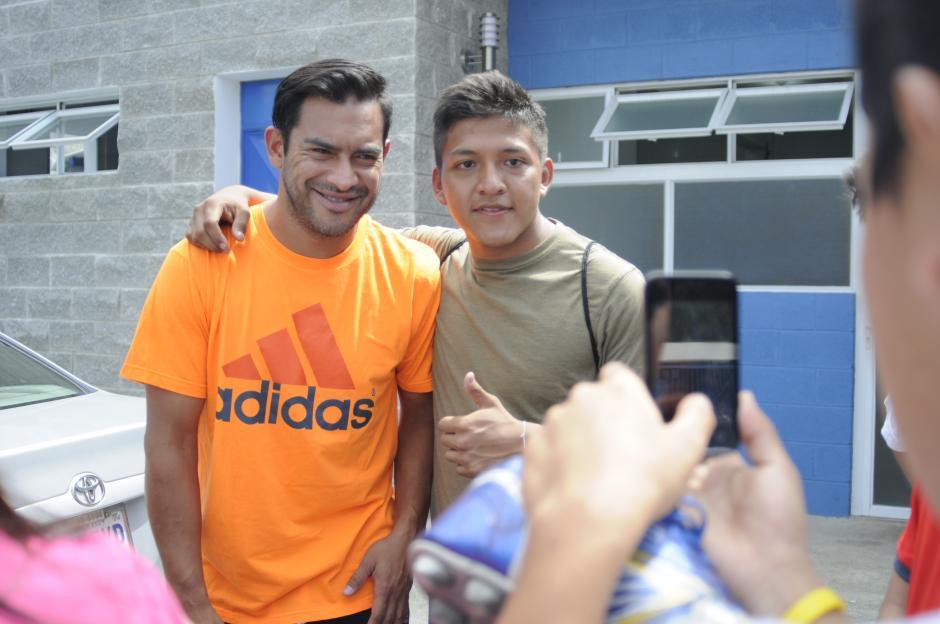 """Carlos el """"Pescado"""" Ruiz está disputando su quinta eliminatoria mundialista, su primera fue rumbo a Corea y Japón 2002, en aquel entonces la Sele era dirigida por el uruguayo Julio César Cortés.(Foto: Pedro Pablo Mijangos/Soy502)"""