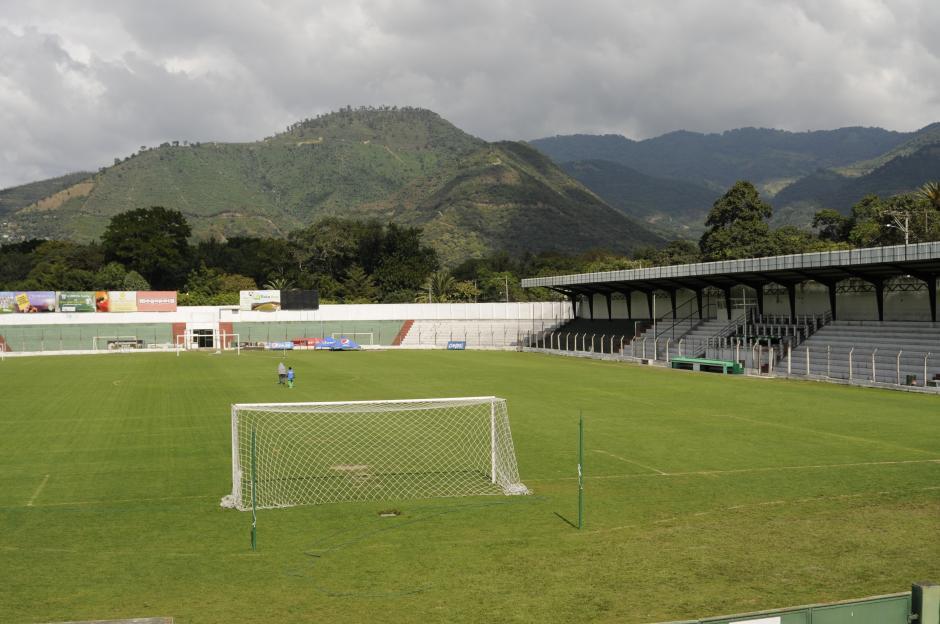 El estadio Pensativo luce sus mejores galas para albergar la final del vuelta del Torneo Apertura 2015.Los 10 mil 500 boletos puestos a disposición fueron vendidos.(Foto: Pedro Pablo Mijangos/Soy502)
