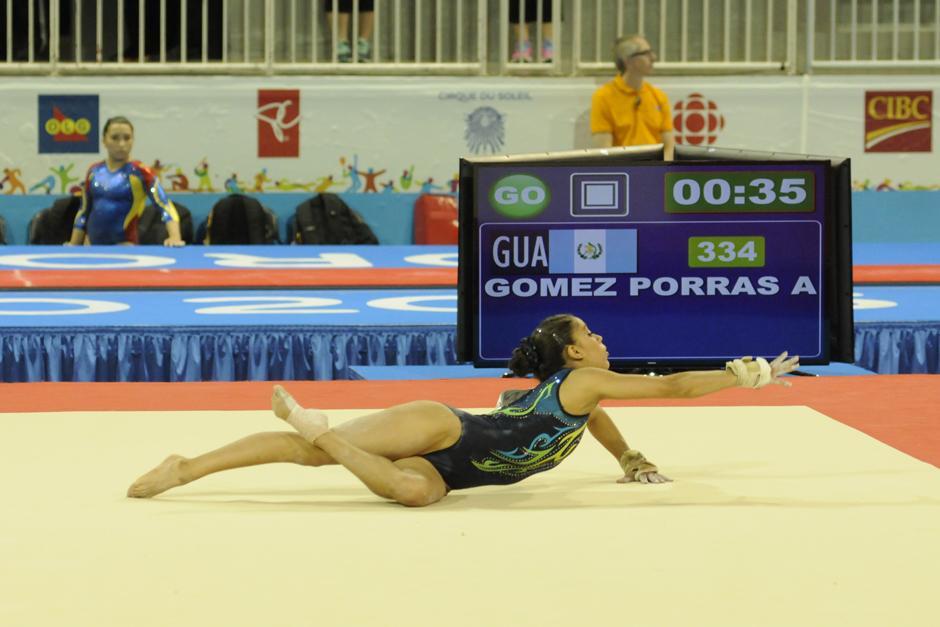 Ana Sofía Gómez Porras durante su presentación en piso. (Foto: Pedro Mijangos/Soy502)