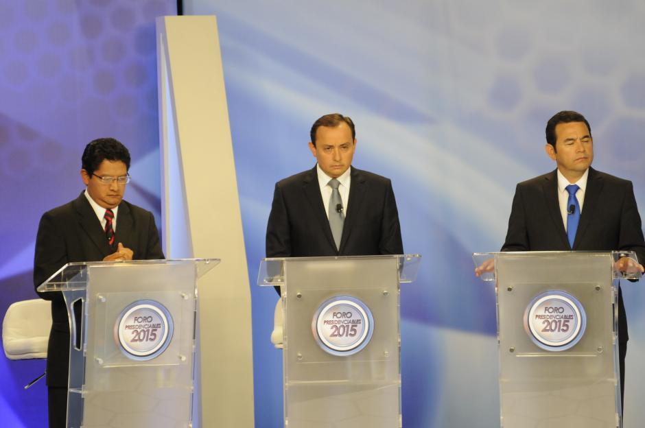 Roberto González estuvo bastante serio durante el Foro de Presidenciables 2015. (Foto: Pedro Mijangos/Soy502)