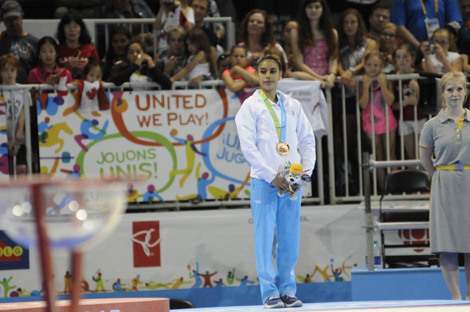 Ana Sofía Gómez subió al podio con medalla de bronce en la modalidad de piso, en gimnasia. (Foto: Pedro Pablo Mijangos/Soy502)