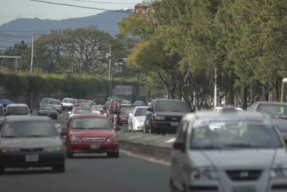 El ingreso por el sector sur de la ciudad capital también es uno de los sectores más caóticos en cuanto al tráfico. Por ese acceso ingresan al menos 300 mil vehículos. Foto Jesús Alfonso/Soy502
