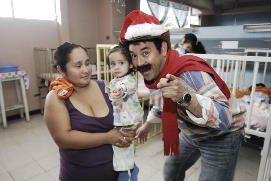 El actor Jimmy Morales, quien interpreta a Neto, provocó risas entre los niños y los padres de familia. (Foto: Jesús Alfonso/Soy502)