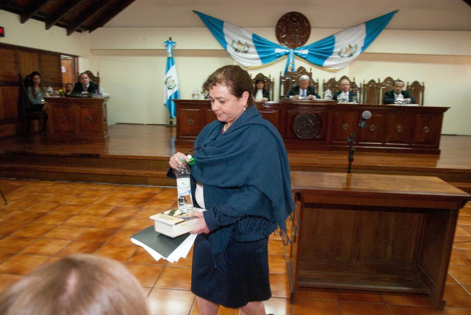 Claudia Paz y Paz, Fiscal General, termina de dar sus argumentos en la sala de vistas de la Corte de Constitucionalidad. (Foto: Jesús Alfonso/Soy502)