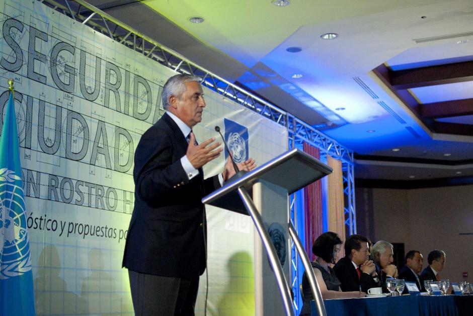 Durante su intervención, el mandatario Otto Pérez destacó (como lo hiciera durante su discurso de rendición de cuentas) que la tasa de homicidios bajó de 38 a 34 por cada 100 mil habitantes. (Foto: Jesús Alfonso/Soy502)