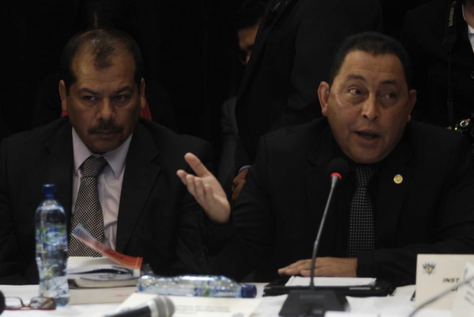 El Ministro López Bonilla aseguró que las declaraciones vertidas a la prensa sobre los presuntos responsables del ataque, correspondían a la información que en ese momento le constaba y que le habían proporcionado los investigadores de la PNC y el MP. (Foto: Jesús Alfonso/Soy502)
