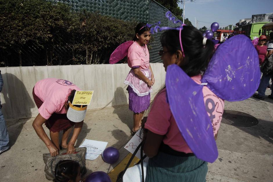 Diferentes organizaciones de mujeres participaron en la marcha, pidiendo respeto e igualdad. (Foto: Jesús Alfonso/Soy502)