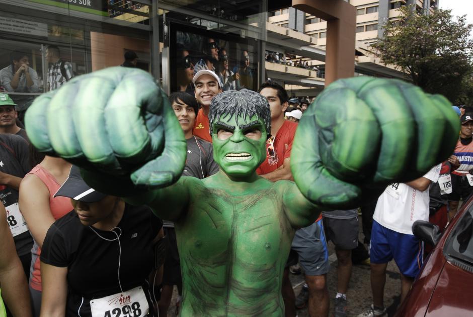 Los personajes de Marvel Comics también participaron en la carrera. (Foto: Jesús Alfonso/Soy502)