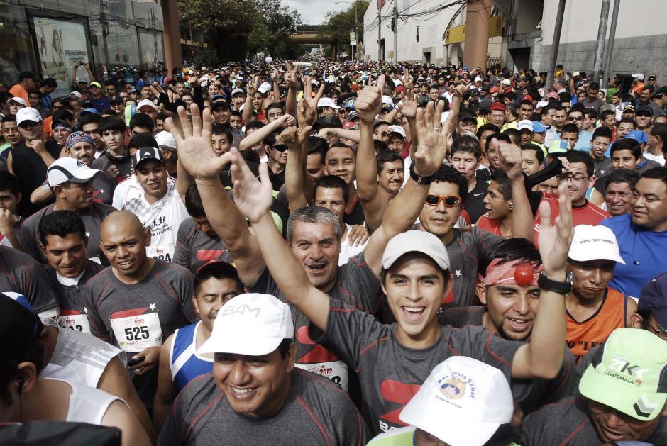 En esta carrera, la última del año, se comparte en un ambiente de fiesta anticipada para recibir el 2014. (Foto: Jesús Alfonso/Soy502)