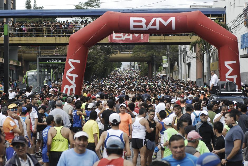 La edición 56 de la esperada carrera de San Silvestre contó con la participación de más de 8,000 corredores. (Foto: Jesús Alfonso/Soy502)