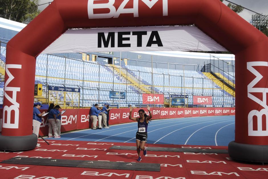 El primer lugar en la rama femenina fue para la amatitlaneca Merlin Chalí quien la ha ganado en reiteradas ocasiones. (Foto: Jesús Alfonso/Soy502)