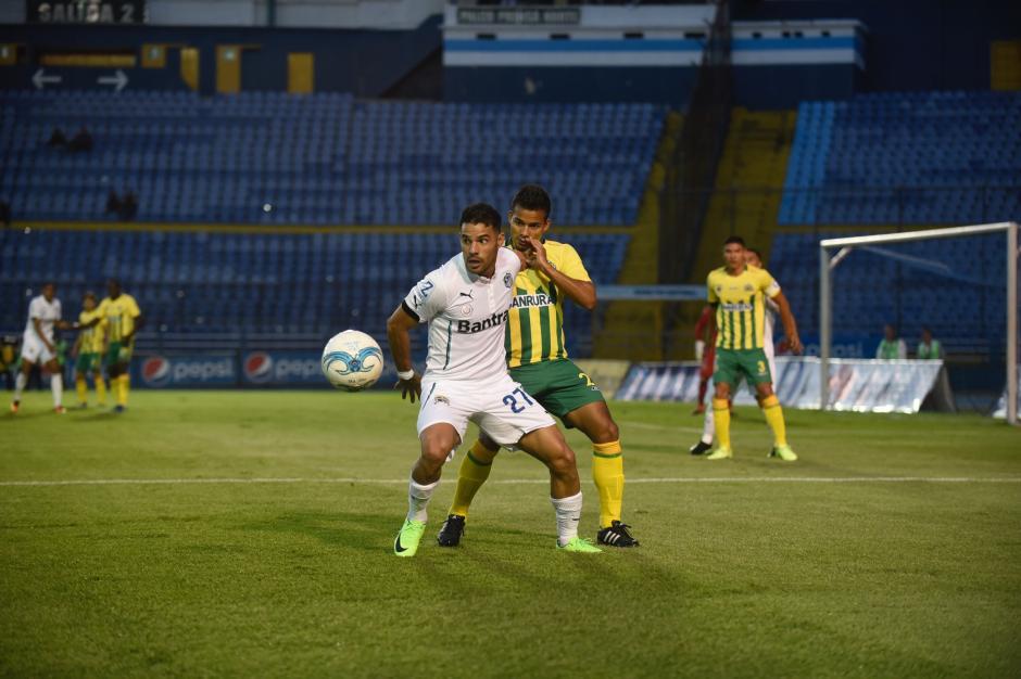 El nicaragüense Juan Barrera marcó el segundo gol para los cremas. (Foto: cortesía Johan Ordóñez)