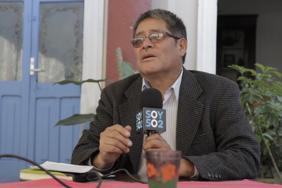 Jaime Urías, presidente de la Asociación para Todos, explica que presentaron la Iniciativa de Ley 4672 desde 2013 en el Congreso para que las enfermedades raras sean conocidas. (Foto: Alejandro Balán/Soy502)
