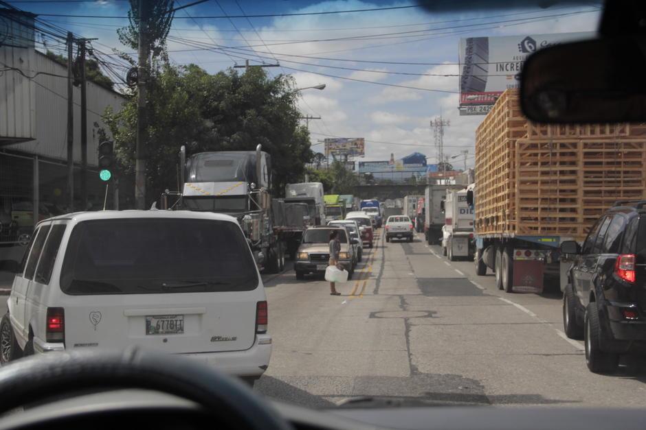 Los principales accesos a la ciudad son los más congestionados. (Foto: Archivo/Soy502)