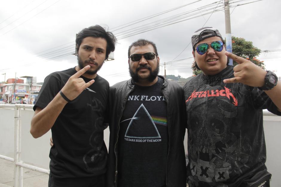 Diego, Manuel padre y Manuel hijo, todos de apellido Portillo llegaron desde Santa Tecla, El Salvador. (Foto: Fredy Hernández/Soy502)