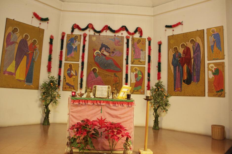 La capilla del Convento de Belén está decorada con pinturas del padre Francisco Bernardino Quiñonez. (Foto: Fredy Hernández/Soy502)