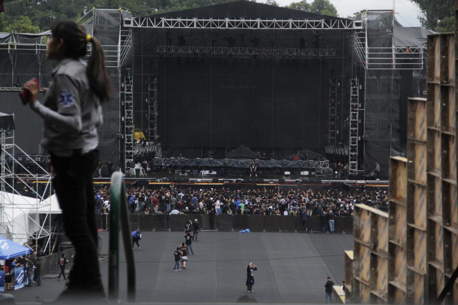 El escenario lucía espléndido para recibir a Metallica. (Foto: Fredy Hernández/Soy502)