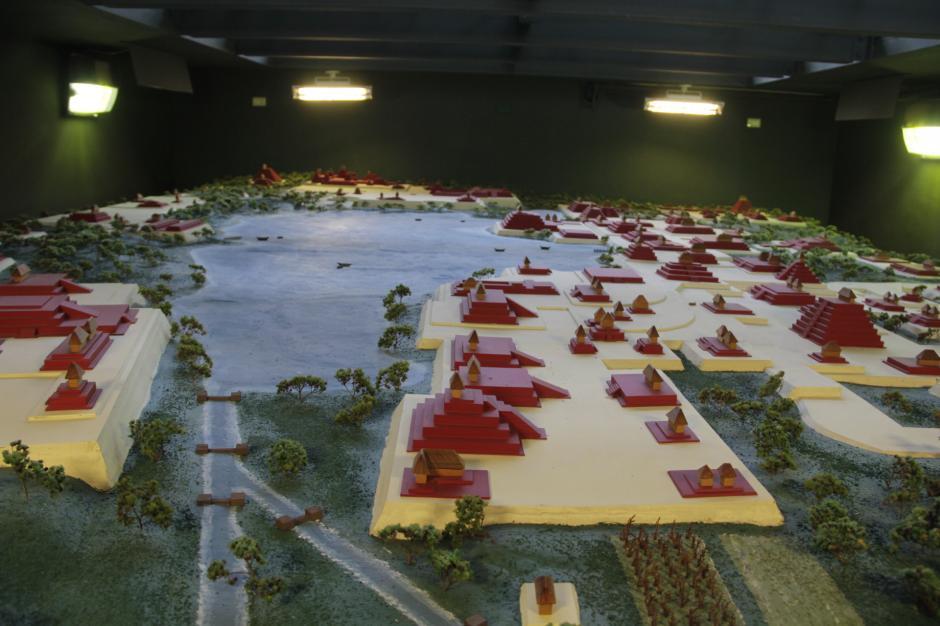 La maqueta que representa la ciudad de Kaminal Juyú explica cómo estuvo estructurada esta ciudad. (Foto: Fredy Hernández/Soy502)