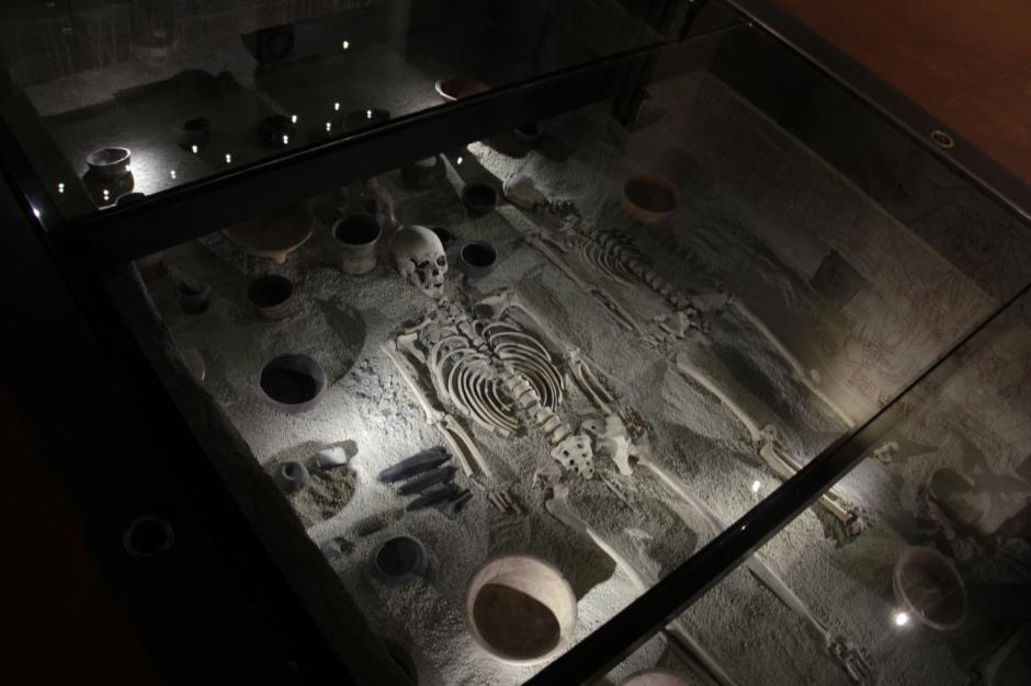 En el Inframundo, se puede ver una representación de un entierro de una autoridad maya. (Foto: Fredy Hernández/Soy502)