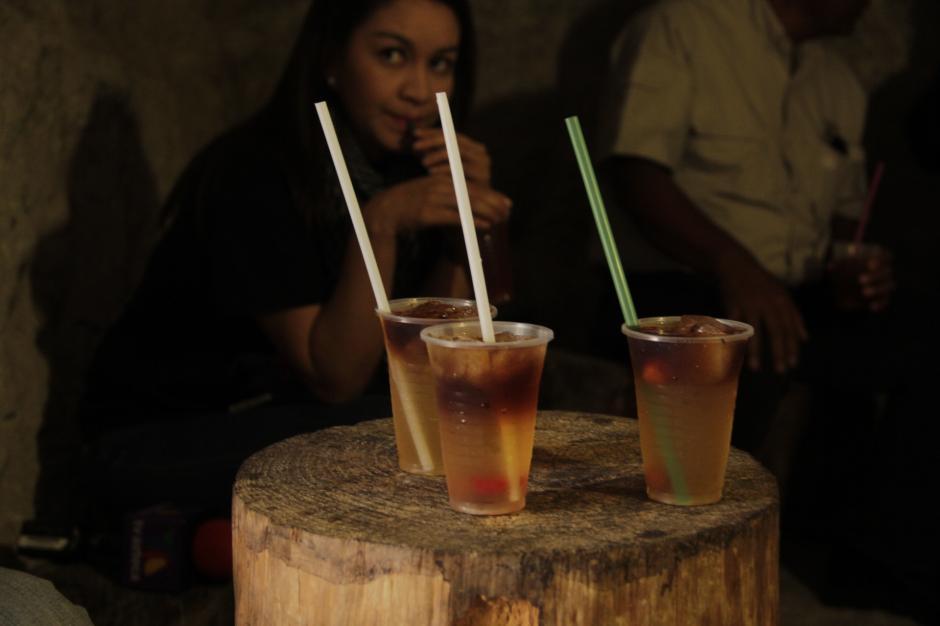 El destilado de frutas es la especialidad del lugar. (Foto: Fredy Hernández/Soy502)