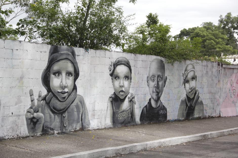 Una docena de rostros tratan de transmitir esperanza y fe a la humanidad. (Foto: Fredy Hernández/Soy502)