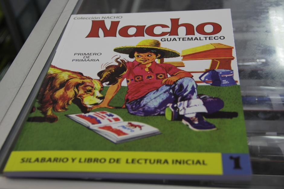 El libro naco es el más utilizado en primero de primaria y que nos trae gratos recuerdos de nuestra escuela, nuestros compañeros y nuestra maestra.(Foto: Fredy Hernández/Soy502)