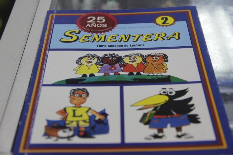 El libro Sementera nos daba la opción de repasar nuestras lecciones en la escuela y en el hogar. (Foto: Fredy Hernández/Soy502)