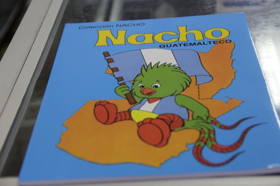 El libro Nacho de preprimaria es el primero de esa colección para iniciarse en el mundo de las letras.(Foto: Fredy Hernández/Soy502)