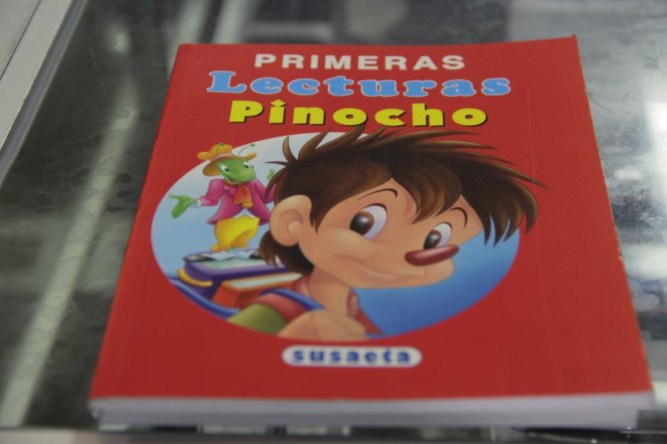 Primeras Lecturas Pinocho nos enseñaba muchas maravillas escritas en papel.(Foto: Fredy Hernández/Soy502)