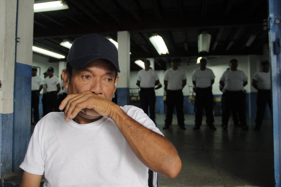 Don Mario se pone sentimental al recordar los días difíciles que pasó en las calles. (Foto: Fredy Hernández/Soy502)
