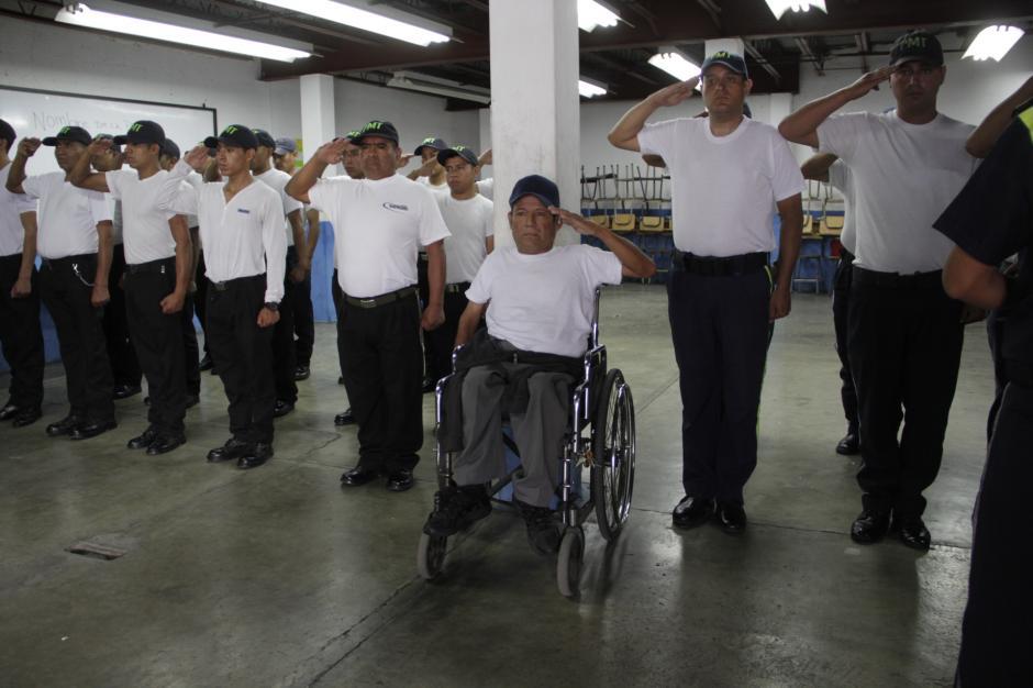 En la academia de formación de Emixta, es uno de los aspirantes más aplicados. (Foto: Fredy Hernández/Soy502)