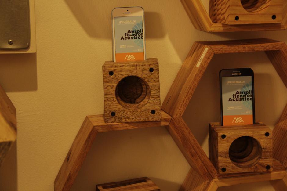Este producto te puede ayudar a amplificar de una manera simple el sonido de tu celular. (Foto: Fredy Hernández/Soy502)
