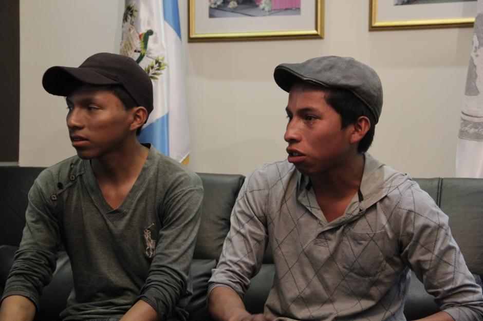 Las lágrimas de emoción lograron impactar en las personas que escucharon su historia, antes de recibir la noticia sobre la beca.(Foto: Fredy Hernández/Soy502)