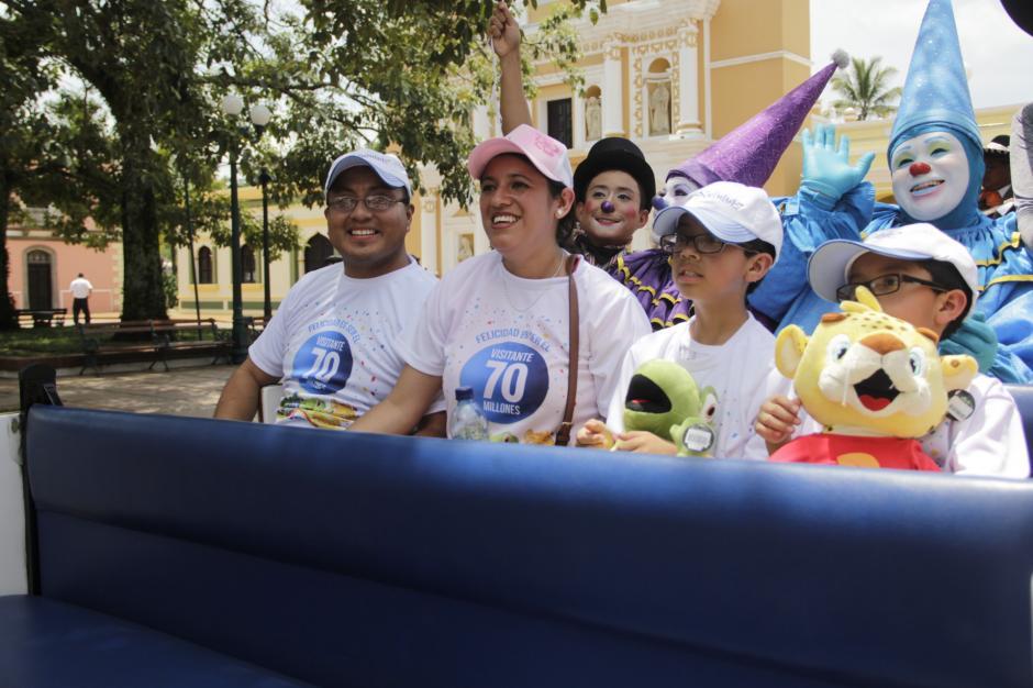 Los Pérez fueron llevados con todas las comodidades por las instalaciones de Xetulul. (Foto: Fredy Hernández/Soy502)