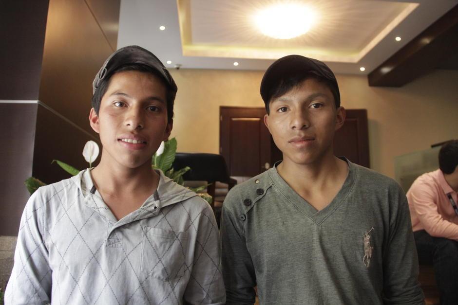 Carlos Daniel y Mario recibieron una beca completa en la Universidad Panamericana. (Foto: Fredy Hernández/Soy502)