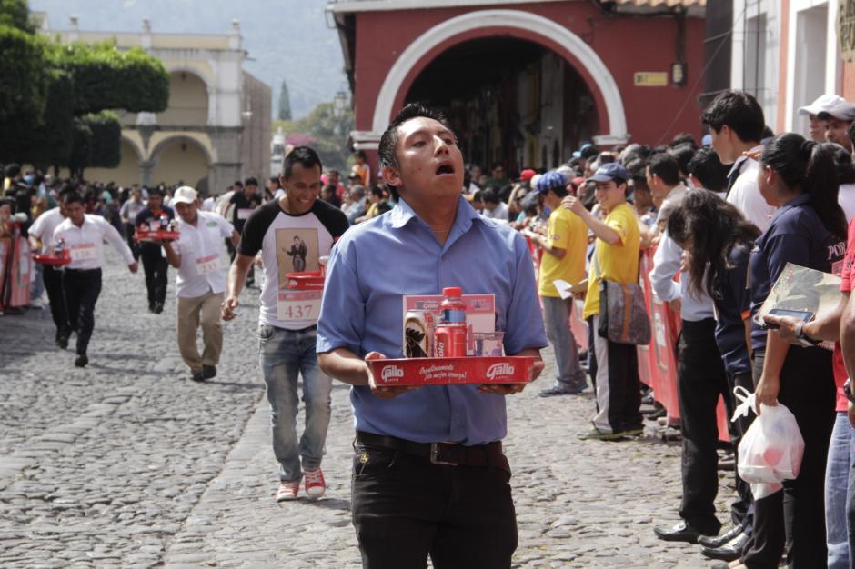 El cansancio fue notorio en varios de los corredores. (Foto: Fredy Hernández/Soy502)