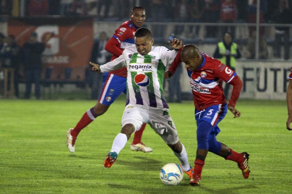 Antigua GFC dio el primer golpe del Clausura 2016 al vencer al Xela. (Foto: Nuestro Diario)